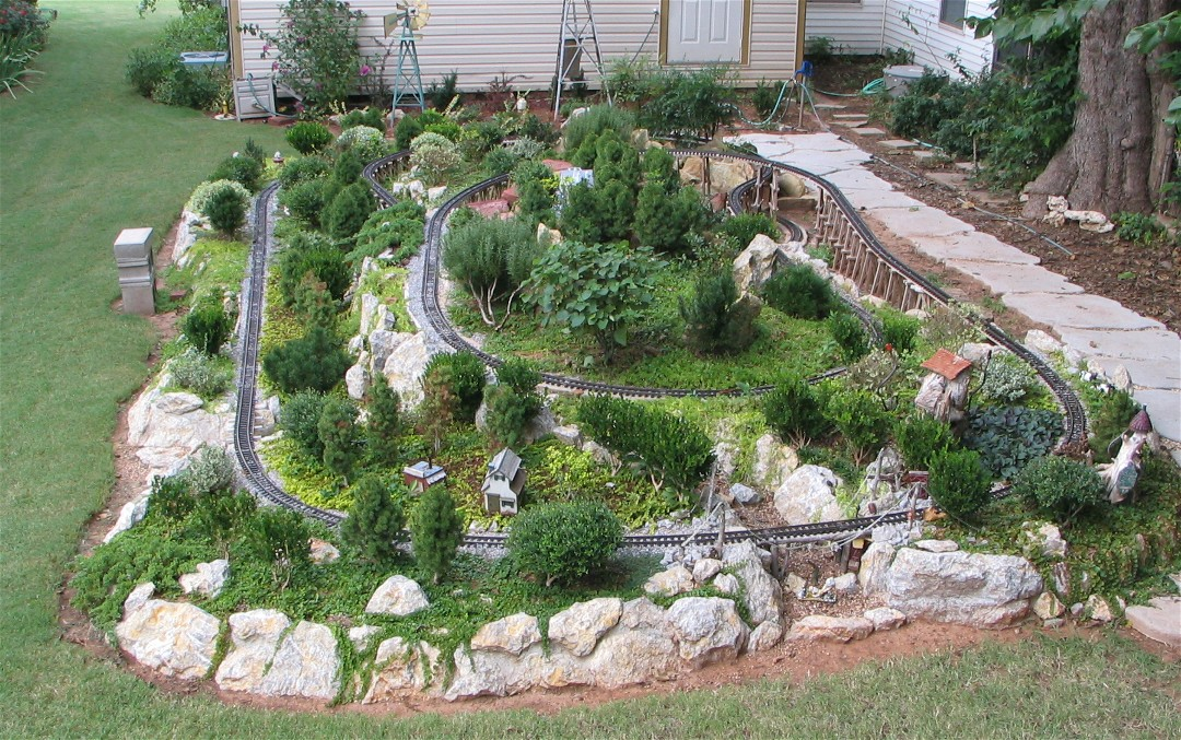 Garden railroad layouts kyle spradley photography hann s for Garden railway designs